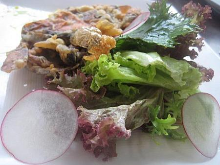 Soft Shell Crab Salad 5万8000ルピア+15.5%