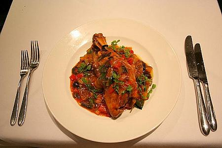 Braised lamb shank in white wine and ligurian vegetables HK$198