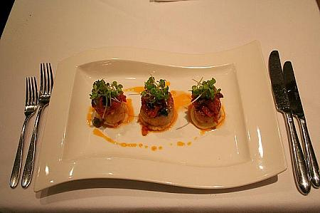 Pan seared jumbo Hokkaido scallops with a puttanesca sauce HK$118