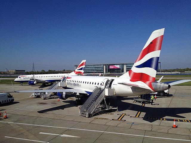 ロンドン シティ 空港