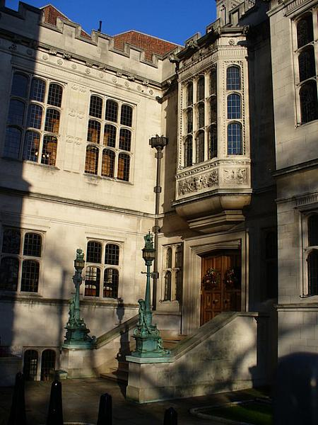 In Temple Place - geograph.org.uk - 1650708