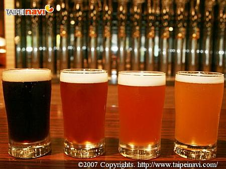 左からStout、Scotch Ale、Pale Ale、Weizen