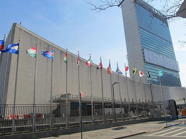 連合 本部 国際